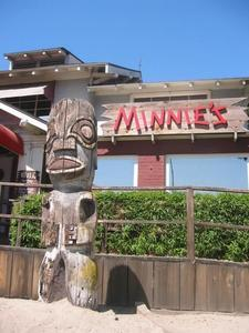 Tiki and sign for Minnies in Modesto