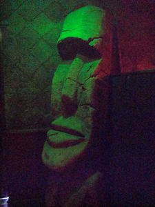Large moai by the front door at Tonga Hut in North Hollywood