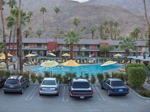 The pool at Caliente Tropics Resort in Palm Springs