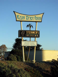 Sign for Kon Tiki Inn in Pismo Beach