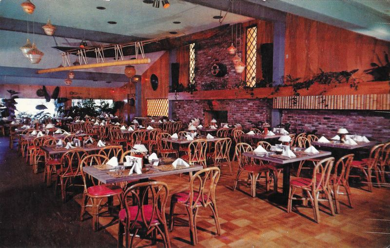 Postcard Showing The Outrigger Room At C Reef Restaurant In Sacramento Ca
