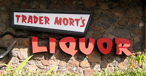 Sign for Trader Mort's Liquor in San Diego
