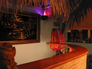 The Humuhumu Room bar