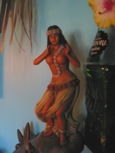 Hula girl decanter in the Humuhumu Room