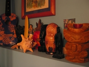 Some of the knick knacks in the Humuhumu Room