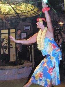 Polynesian dancer Tiare dancing to Hanalei Moon at Kona Kai Bamboo Grill in Philadelphia