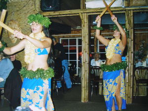 Louna and Tiare dancing at Kona Kai Bamboo Grill in Philadelphia