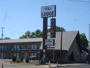 The Tiki Lodge Motel in Medford