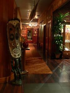 Entrance hallway at Trader Vic's in San Francisco