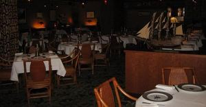 Dining room at Trader Vic's in Bellevue