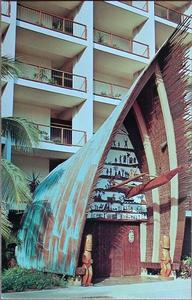 Postcard showing A-frame entrance to Trader Vic's in San Juan