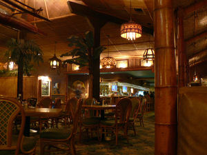 Main dining room, with bar in the back at Damon's in Glendale