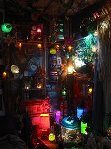 Southwest corner of Castaway Clemens' Paradise Cove Tiki Lounge in Los Angeles