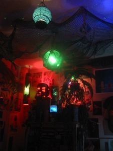 Southeast corner of Castaway Clemens' Paradise Cove Tiki Lounge in Los Angeles