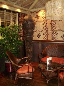 Lounge area inside Trader Vic's in Chicago