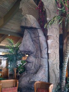 A large moai at the central column in the restaurant at Don the Beachcomber in Kailua-Kona