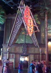 Liki Tiki A-frame entrance at Restaurant en Coulisse in Chessy